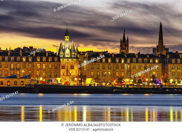 Port de Cailhau at dusk. Entrance door to the city center and Garonne River. Bordeaux, Gironde. Aquitaine region. France Europe