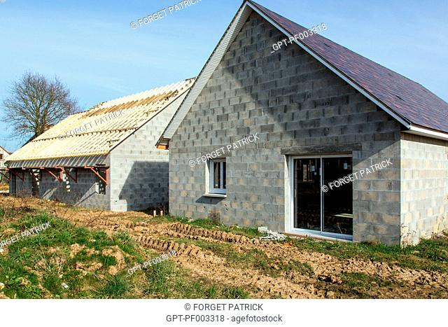 CONSTRUCTION SITE FOR INDIVIDUAL PRIVATE HOMES, SAINT-MARTIN-D'ECUBLEI, (61) ORNE, LOWER NORMANDY, FRANCE