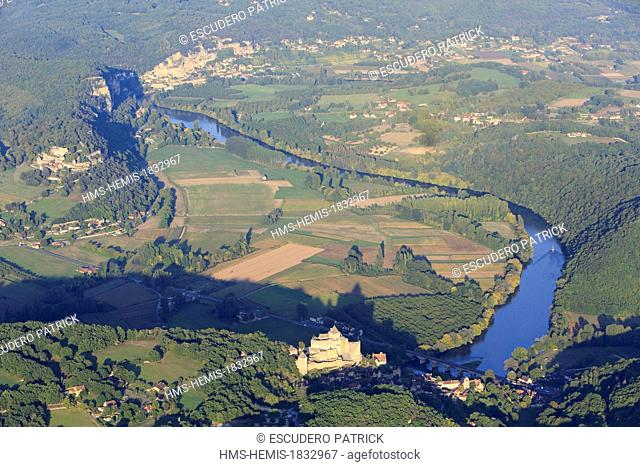 France, Dordogne, Perigord Noir, Dordogne Valley, Castelnaud la Chapelle, labelled Les PLus Beaux Villages de France (The Most Beautiful Villages of France)