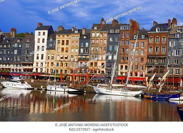 Honfleur, Vieux Bassin, Old Harbour. Calvados, Normandy, France