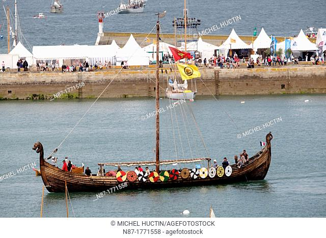 Dreknor, replica of a Viking ship dating from year 850