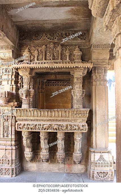 Elegant border patterns engraved on a balcony. Adalaj Stepwell, Ahmedabad, Gujarat, India
