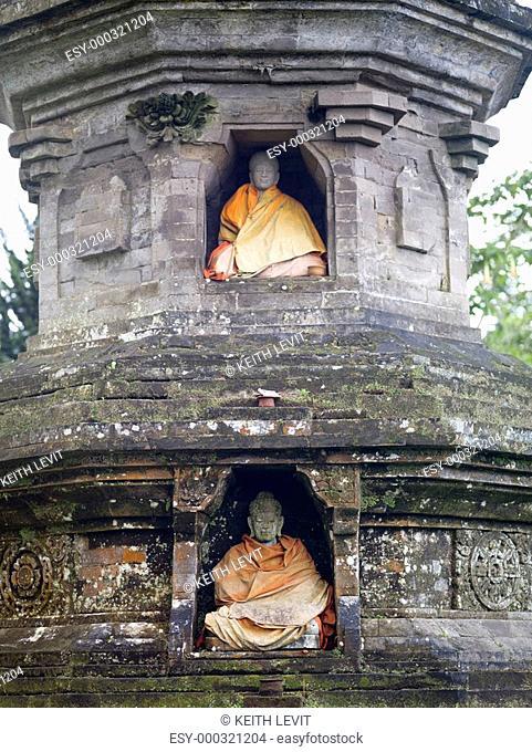 Bali, Indonesia, Ulun Danu Temple statues
