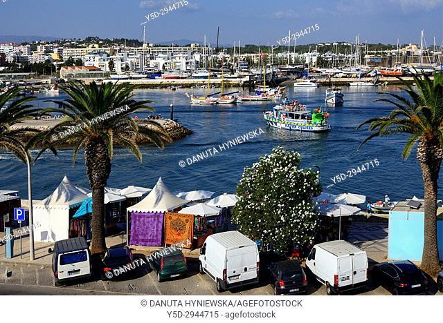 Europe, Portugal, Southern Portugal , Algarve region , Faro district , Lagos, Avenida dos Descobrimentos along Bensafrim River