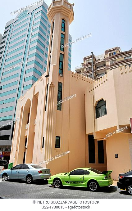 Abu Dhabi, United Arab Emirates: mosque by the Central Market