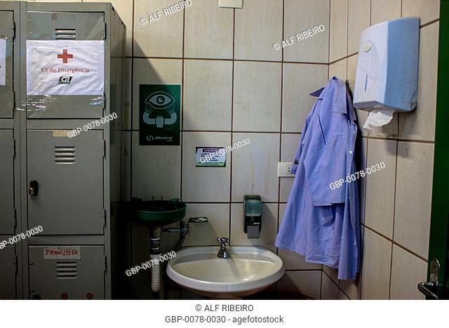 Clothing, equipment, hygiene, safety against contamination, pesticides, agricultural, pesticide, Orlândia, São Paulo, Brazil