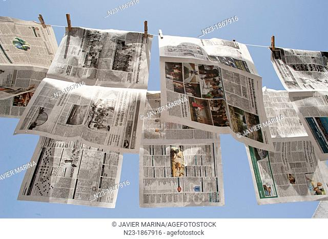 Newspapers lying, Valencia