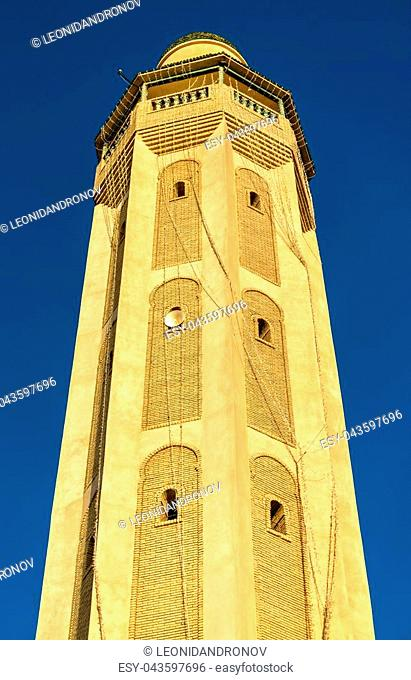 Minaret in the medina of Tozeur, Tunisia. North Africa