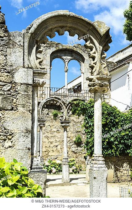 Ruinas fingidas, Don Manuel Royal palace, Public garden Merendas, UNESCO World Heritage Site, Evora, Alentejo, Portugal