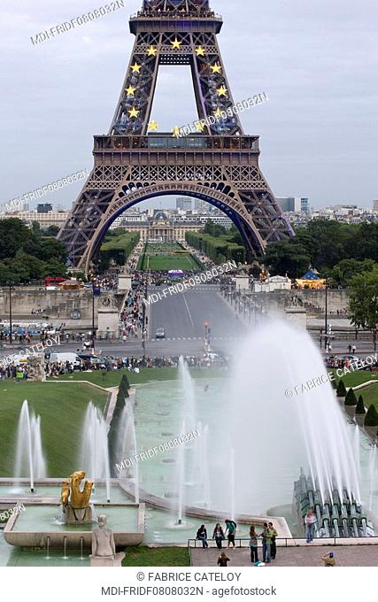 The Eiffel tower with the CEE symbol