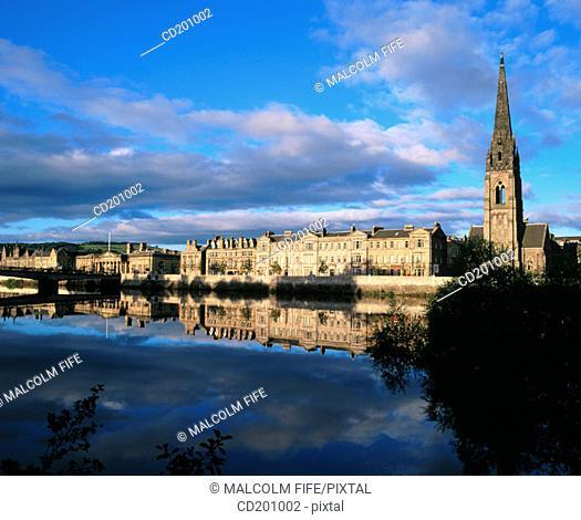 River Tay and city centre. Perth. Perth and Kinross. Scotland