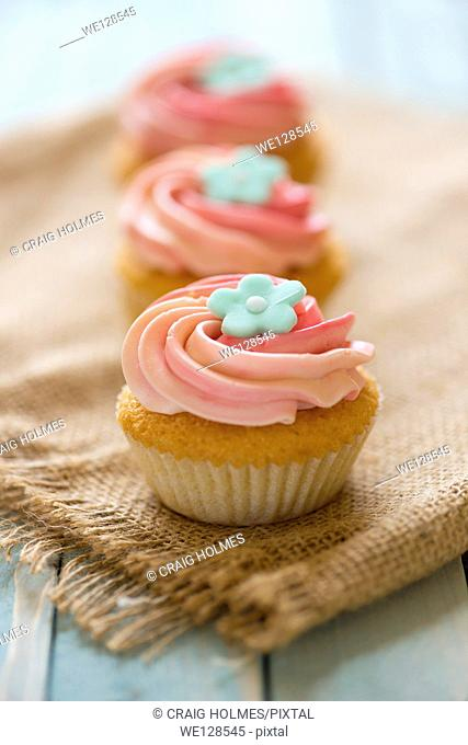 Pink flowery cupcakes
