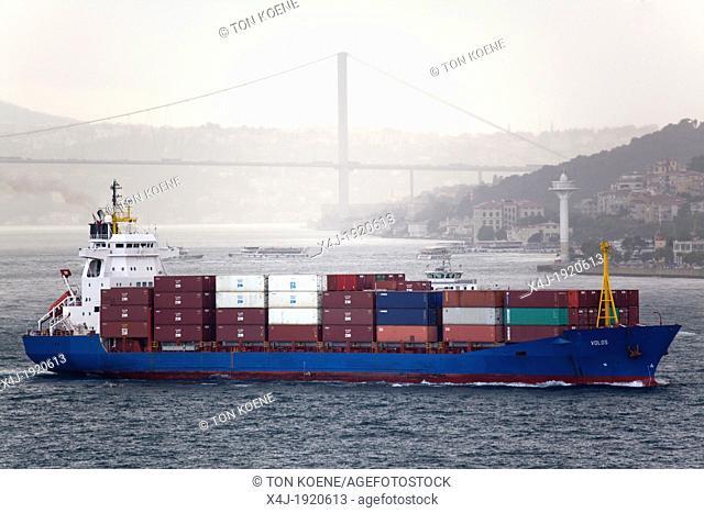 bosphorus in Turkije connects the Marmara sea with the black sea
