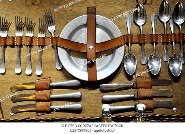 Hong Kong: display with old travel cutlery at the Repulse Bay Hotel