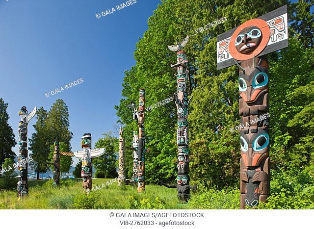 GROUP OF TOTEM POLES TOTEM PARK BROCKTON POINT STANLEY PARK VANCOUVER BRITISH COLUMBIA CANADA