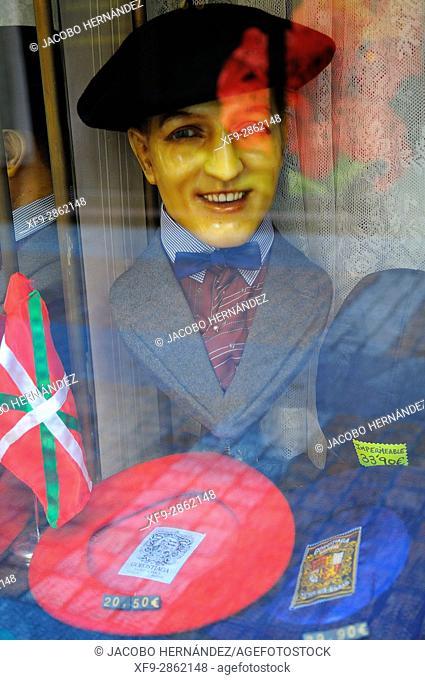 Shoucase berets.Bilbao city.Bizkaia province.Euskadi.País Vasco.Spain
