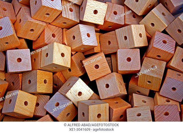 wooden cubes, children's game
