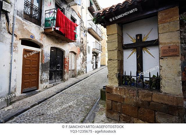 Humilladero en la calle San Juan, Castro Urdiales, Cantabria