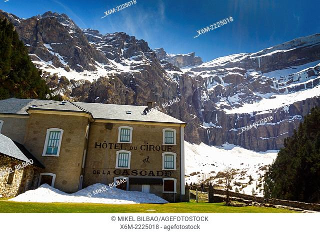 Gavarnie glacier cirque and hotel