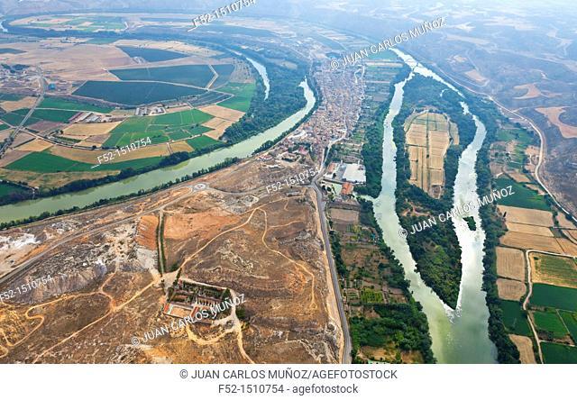 Ebro river meander  Sastago Village  Zaragoza Province, Aragon, Spain, Europe