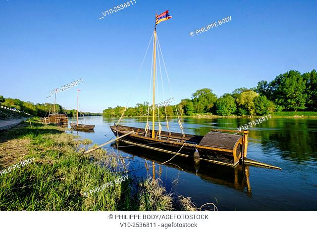 France, Indre et Loire, Chouze-sur-Loire, on the World heritage list of 'UNESCO, traditionnal boat on the Loire river, traditional boats