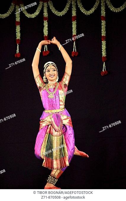 India, Tamil Nadu, Chennai, Madras, bharata natyam dancer