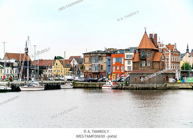 Germany, Stralsund, view to pilot house at harbour island