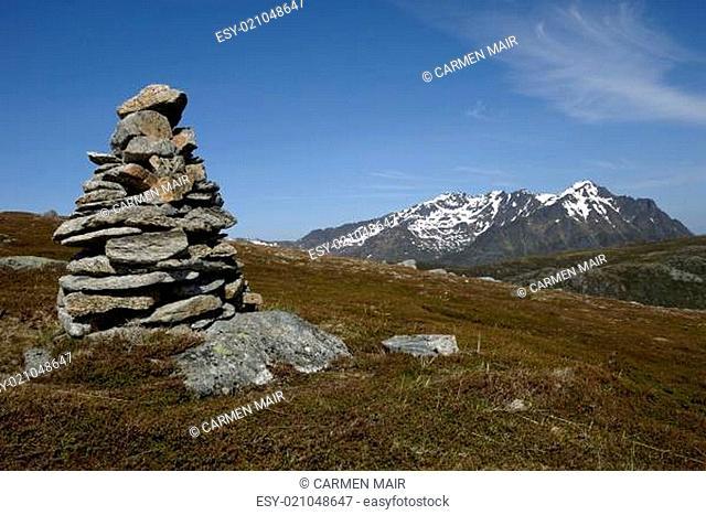 Steinhaufen am Steinstinden bei Stamsund