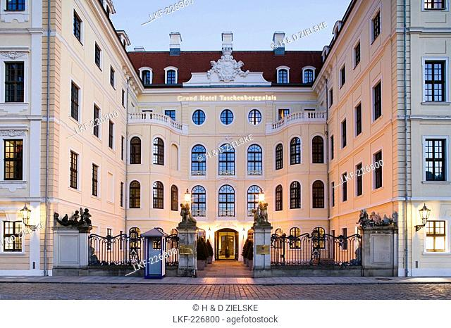 Taschenberg palace in the evening, Dresden, Saxony, Germany