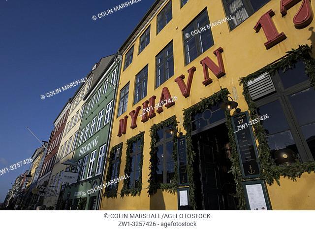 """Nyhavn 17 building, Waterfront, Nyhavn (""""""""New Harbour""""""""), Copenhagen, Denmark"""