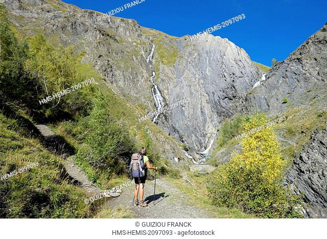 France, Isere, Parc National des Ecrins (Ecrins national park), Grandes Rousses massif in Oisans region, Ferrand river valley, hiking to lake Quirlies