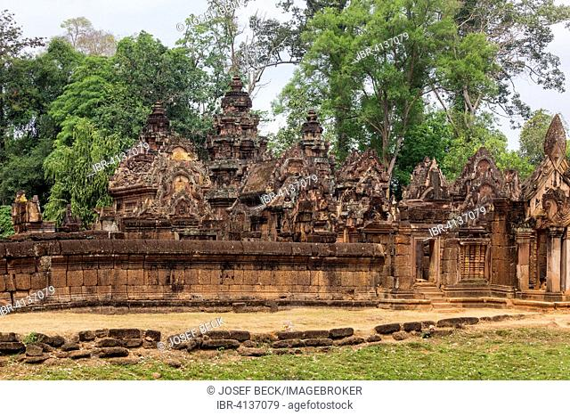 Ring-wall in front of the central Prasat, Khmer Hindu temple Banteay Srei, Siem Reap Province, Cambodia
