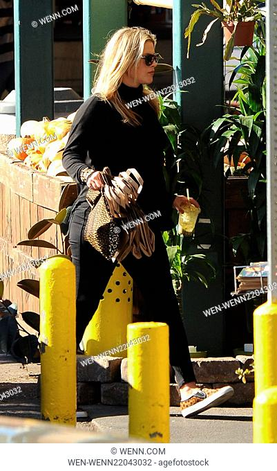 A very pregnant Ali Larter goes food shopping in West Hollywood Featuring: Ali Larter Where: West Hollywood, California, United States When: 05 Jan 2015 Credit:...