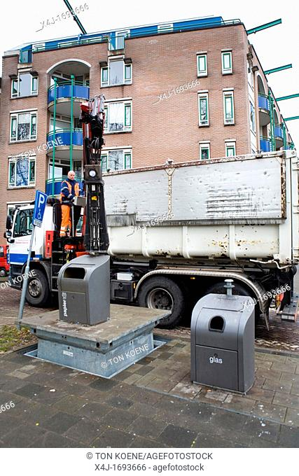 Recycling of paper collected in underground disposal points All municipalities in The Netherlands are required to provide known collection points for recyclable...