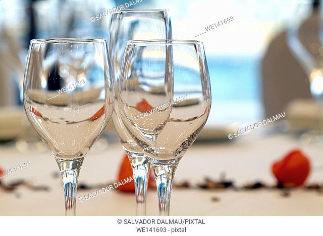 glasses restaurant