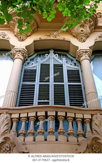 window, Enric Llorens de Grau House, Eixample district, Barcelona, Catalonia, Spain