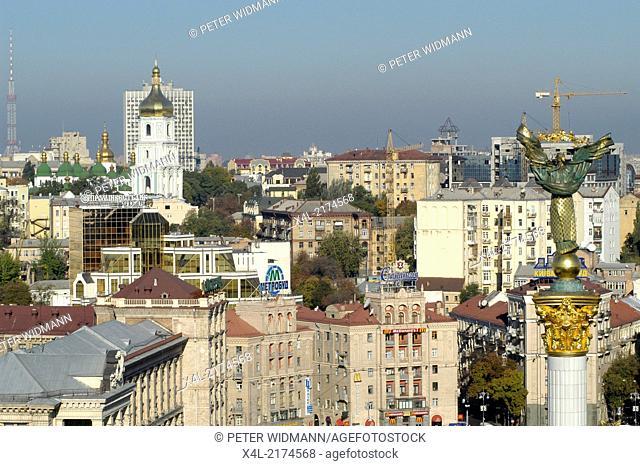Kiev, Statue of Liberty at Indepedence Square (Majdan), Ukraine, Majdan Nezaleznosti