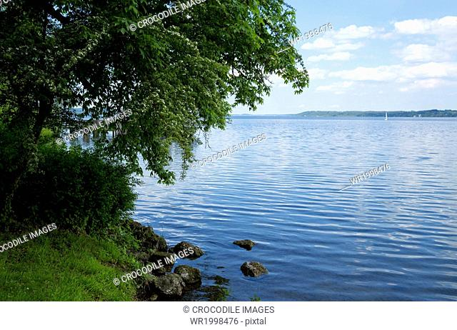 Bank,Bavaria,Bliss,Blissful,Bodies Of Water,Body Of Water,Cloud,Day,Daylight,Daytime,Emptiness,Empty,Europe,Exterior,Germany,Horizontal,Idyll,Lake