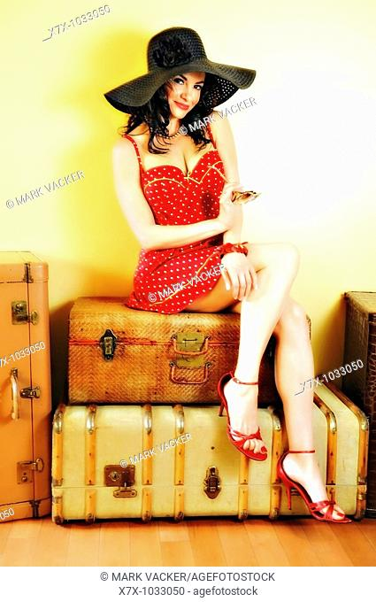 Actress Lorena Melgar poses for a vintage 'pin-up'