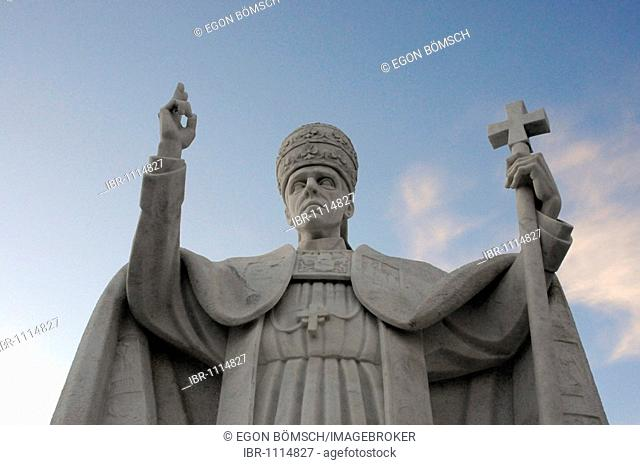 Historical monument, sculpture, PIO XII, Fatima, place of pilgrimage, Central Portugal, Portugal, Europe