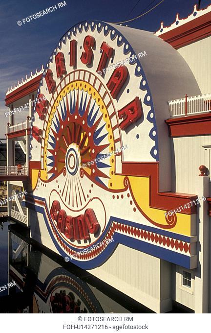 casino, riverboat, Mississippi, steamboat, Vicksburg, MS, Ameristar Riverboat Casino on the Mississippi River in Vicksburg