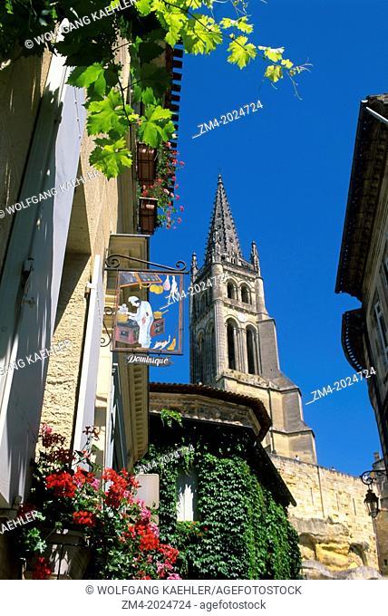 FRANCE, BORDEAUX REGION, SAINT-EMILION, MONOLITHIC CHURCH