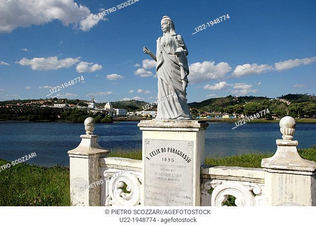 São Félix, Bahia, Brazil, statue by the Paraguaçu River