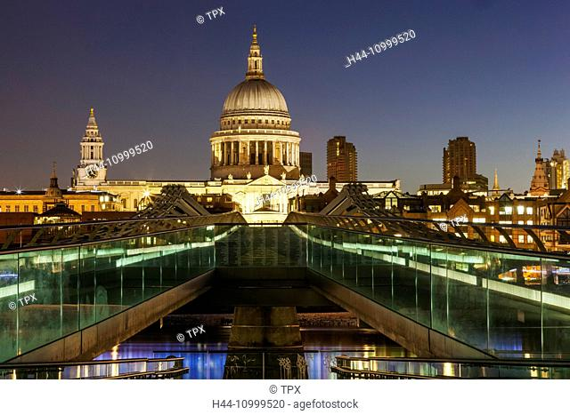 England, London, St. Pauls Cathedral and City Skyline