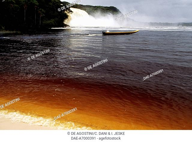 Stretch of river near the Salto Hacha waterfall, Canaima national park (UNESCO World Heritage List, 1994), Bolivar, Guayana, Venezuela
