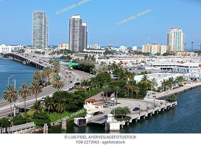 MacArthur Causeway and tall buildings in Miami Beach, Florida, USA