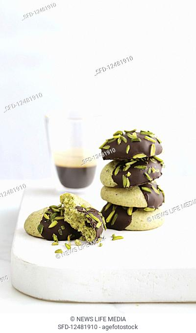 'Amaretti Morbidi' with pistachios and chocolate (gluten-free)