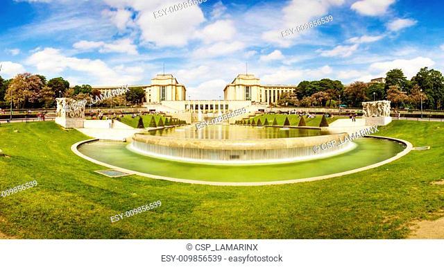 Long exposure panorama of the gardens of Trocadero, Paris