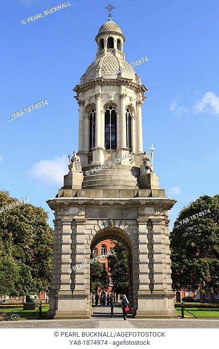 College Green, Dublin, Republic of Ireland, Eire, Europe  The Campanile or bell tower in Parliament Square in the campus of Trinity College University of Dublin