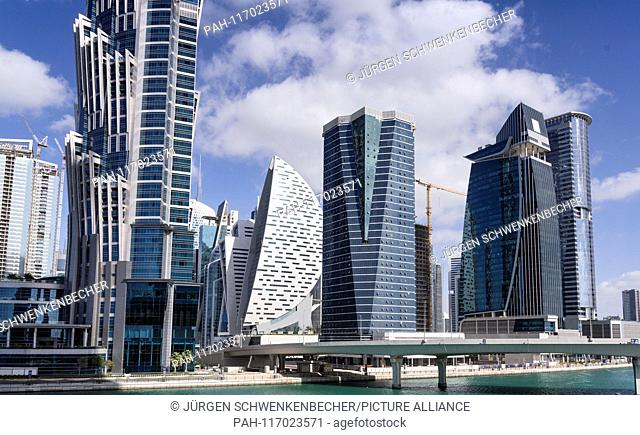 The skyscrapers in the new Downtown Dubai district rise high and higher. The district is located on the artificially extended Dubai Creek